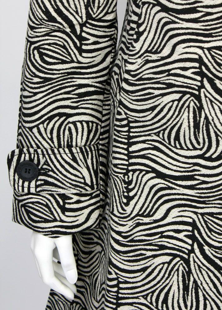 Desigual mantel zebra